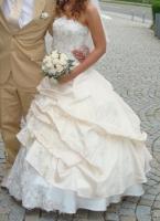 Foto 4 Prinzessinen Brautkleid + Zubehör