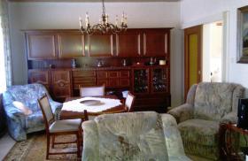Foto 2 Privater Hausflohmarkt Möbel, Vorhänge , Gläser, Teppiche usw