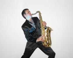 Foto 2 Profi-Saxophonist mit exklusiven Repertoire für Ihr Event