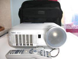 Foto 7 Projector portable NEC LT 240