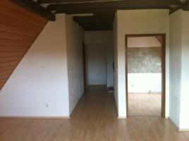 Foto 4 Provisionsfrei!!   Schicke Dachgeschoßwohnung mit Holzdecken und Laminatfussböden
