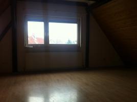Foto 5 Provisionsfrei!!   Schicke Dachgeschoßwohnung mit Holzdecken und Laminatfussböden