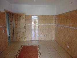 Foto 6 Provisionsfrei, direkt an Haltestelle, KOMPLETT renoviert, wie NEUBAU, ISOLIERT, ENERGIESPARSAM
