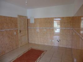 Foto 7 Provisionsfrei, direkt an Haltestelle, KOMPLETT renoviert, wie NEUBAU, ISOLIERT, ENERGIESPARSAM