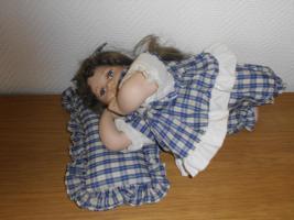 Foto 7 Puppen suchen ein neues zuhause