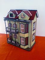 Foto 2 Puppenhaus aufklappbar Spieluhr