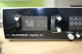 Foto 2 Radiowecker aus den 70er Jahren