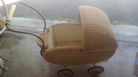 Rarität Antiker Kinderwagen, 30er Jahre, Korb, Korbkinderwagen