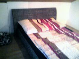Foto 2 Rattan-Bett 140x200 m. Matraze (beides 3 Monate alt)
