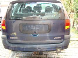 Foto 2 Reanult zum Ausschlachten oder als Bastlerfahrzeug zu verkaufen.
