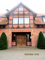 Repräsentativer Familiensitz/EFH in idyllischer ländlicher Lage zu vermieten, wahlweise m.  Stahlbauhallen+Nebengebäuden