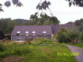 Foto 2 Resthof: Wohnhaus, Wohnungen, Pferdestall, Wiesen