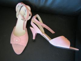 Riemchenpumps in rosa