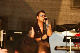 Robbie Williams Double- Robbie Williams Tribute Band - Robbie Williams
