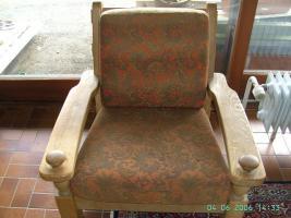 Foto 3 Robuste Couchgarnitur mit Tisch