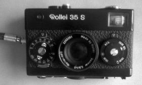 Rollei Kleinbild Kamera 35S mit Blitz + Original Tasche, schwarz