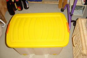 Rollen-Box mit Deckel , gelb