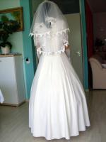 Foto 8 Romantisches Brautkleid in creme - Größe 40 –42 Neu & Sofort