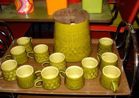 Foto 2 Rot Keramik Gläser / Tassen mit Tablett für 6 Personnen