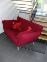 Rotes Polster - Sofa / weinrote Couch / Designer - Sofa