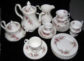 Foto 2 Royal Albert ''Lavender Rose'' sehr sch�nes 31-teiliges Set