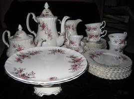 Foto 3 Royal Albert ''Lavender Rose'' sehr sch�nes 31-teiliges Set