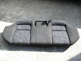 Foto 2 Rücksitzbank mit Integrierten Kindersitzen
