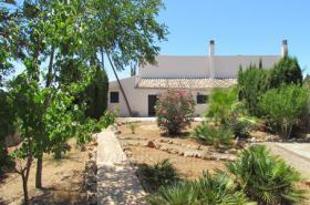 Ruhig gelegene Fincahälfte mit 4 Schlafzimmern auf dem Land bei Campos zur Langzeitmiete