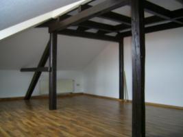 Foto 2 Rustikale 3-Raum DG Wohnung sofort frei