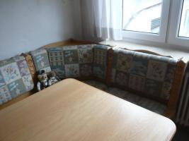 Rustikaler Eckbank mit zwei Stühlen und Tisch ausziehbar