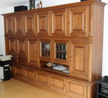 Rustikaler Wohnzimmerschrank in gutem Zustand