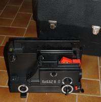 S8 und Normal 8 Filmprojektor und Filmkamera