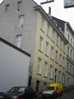 Foto 2 SUPER! KAPITAL ANLAGE! Euro-66.000,00 Jahres Mieteinn., Verkaufpr..: 420.000,00 Euro City-Randlage 42105 Wuppertal-Elberfeld-zwei 8 Fam-Häuser, Kpr.295.000, und ein 7 Familien-Haus, 200,000,00 Kompletter Verkaufpr. 420.000,00 Euro -ME-ca.66.000,00- Euro