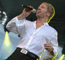 Foto 2 S�nger, Moderator, Entertainer TOM LUCA - Showact, Live Gesangsshow