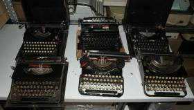 Foto 7 Sammlung von den Schreibmaschinen (ca.230 Stck)