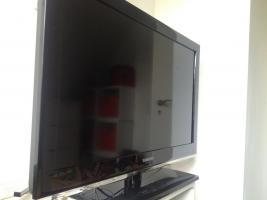 Foto 2 Samsung LE32D550K1WXZG 80 cm (32 Zoll) LCD-Fernseher, schwarz, gebraucht