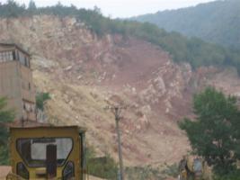 Sand-Kiesgruben oder eine Goldmine in Ungarn und Serbien