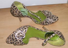 Foto 2 Sandaletten Leo in Velour 1x getragen