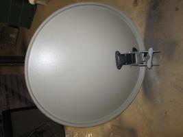 Foto 3 Satelliten Schüssel mit LNB
