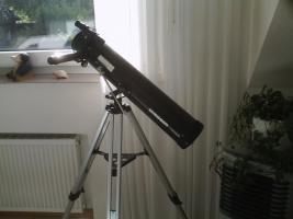 Schau in die Welt der Sterne mit einem Telekop