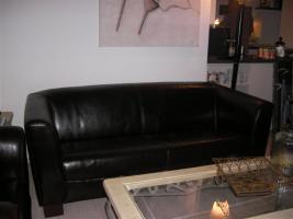 Foto 2 Schicke moderne Ledergarnitur - 1 Sessel und 1 Zweisitzer