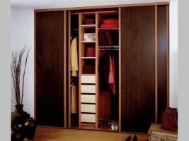Foto 2 Schiebetüren Kleiderschrank und Küchenmöbel