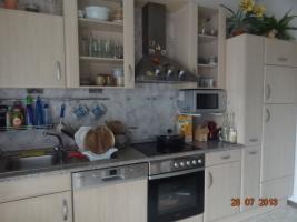 Schlaffzimmer, Küche 3 m mit Garantie-Spühle, 2 Ledersofe (1 Doppel/Schlaf), Flur- und Gartenmöbel
