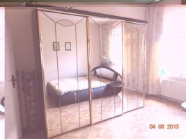 Foto 6 Schlaffzimmer, Küche 3 m mit Garantie-Spühle, 2 Ledersofe (1 Doppel/Schlaf), Flur- und Gartenmöbel