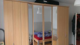 Foto 3 Schlafzimmer (Bett und Kleiderschrank)
