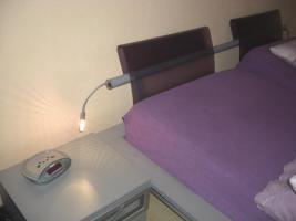 Foto 2 Schlafzimmer (Doppelbett, Kleiderschrank, 2 Sideboards)