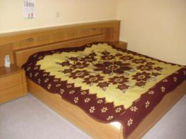 Foto 2 Schlafzimmer Komplett mit Schubladenschrank und Sidebord