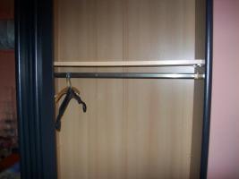 Foto 2 Schlafzimmer-Schiebetürschrank