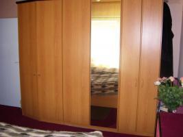 Foto 2 Schlafzimmer (Überbau)