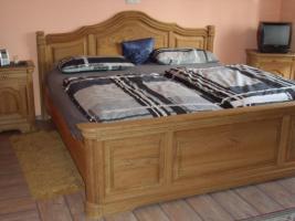 Foto 2 Schlafzimmer komplett Eiche massiv